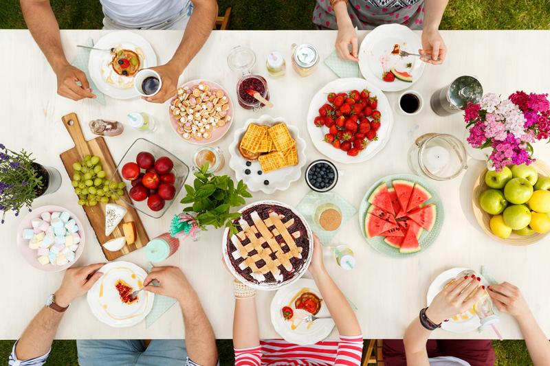 """A világ """"terített asztalán"""" sok-sok finomság elfér"""