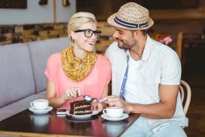 Utazás közben sok új éttermet, cukrászdát kipróbálhatunk, s az új ízek jó kedvre hangolhatnak